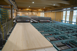 14. First X-PRESS 16 - cross laminated timber press with up to 0,8 N/mm² pressure