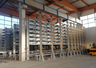 7.	Multi tray curing storage with lug chains