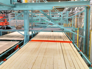 10. Roll conveyor for storage of longitudinal laminations (4 layers)