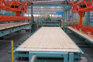 Solid fast movable table PE coated for billet assembly