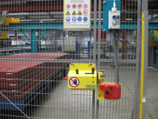 Safety fencing Optical fences Light curtains Access doors